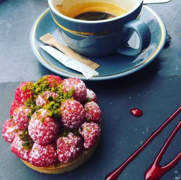 Beating the Monday blues with coffee and cake! 📸  klaudia.magica