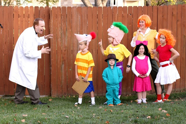 awesome handmade family costumes phineas and ferb - Phineas Halloween Costume