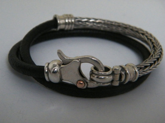 This needs to be apart of my bracelet collection!