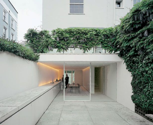 John Pawson - Architect's own house in London, 1999. Photos (C) Todd Eberle, Hisao Suzuki.