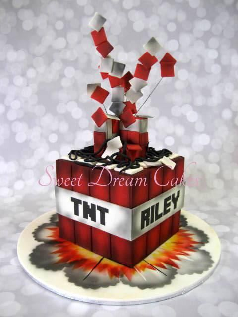 Tnt Minecraft Cake Minecraft Cakes Pinterest Photos