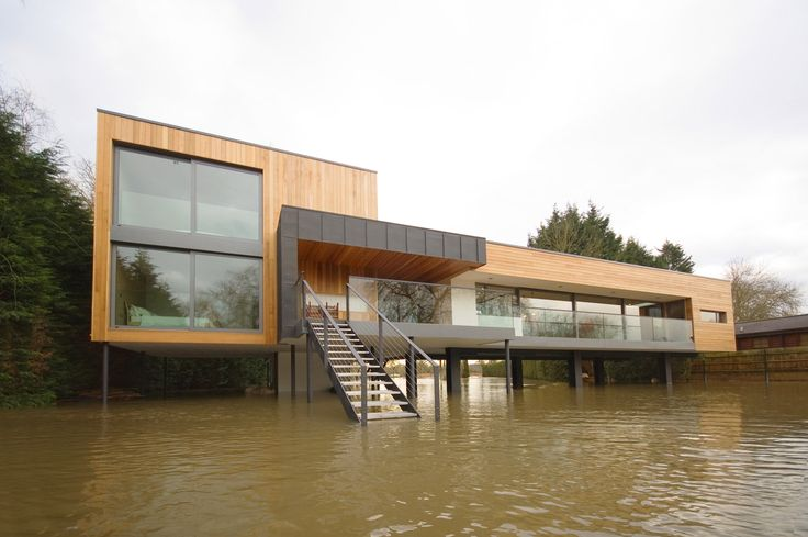 River contemporary hind house near wargrave the o 39 jays for Modern house on stilts