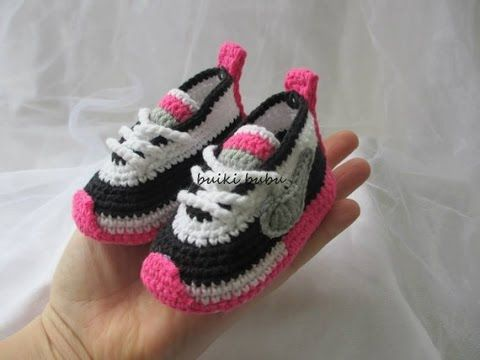 Zapatillas de bebé a ganchillo. Crochet baby sneakers booties. - YouTube