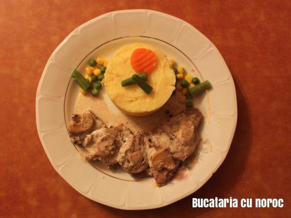 Friptura cu sos forestier - Bucataria cu noroc