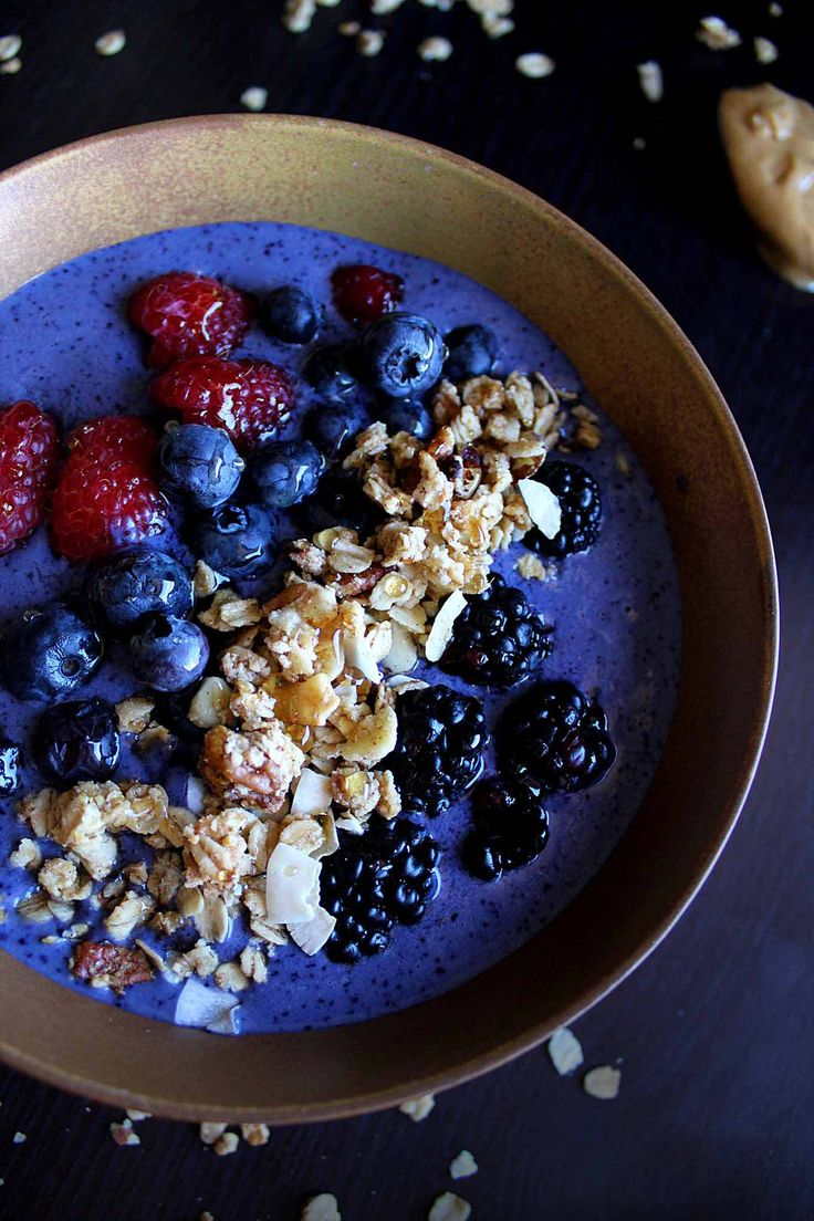 Skinny Peanut Butter Protein Smoothie Bowl   Under 400 Calories   Vegan Protein Smoothie   Peanut Butter Smoothie Bowl   Homemade Granola   Skinny Smoothie