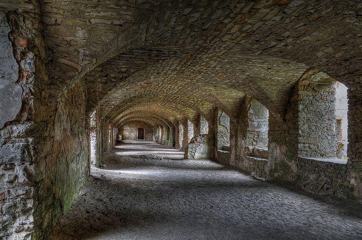 https://flic.kr/p/6qDin3 | Krzyztopor Castle, Ujazd, Poland | Ruiny zamku Krzyżtopór w miejscowości Ujazd.