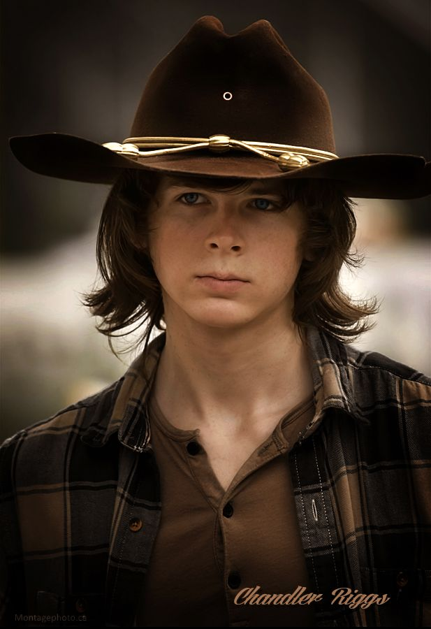 Chandler Riggs} Hey I'm Chandler, I'm 15 and single. I act as Carl Grimes in The Walking Dead