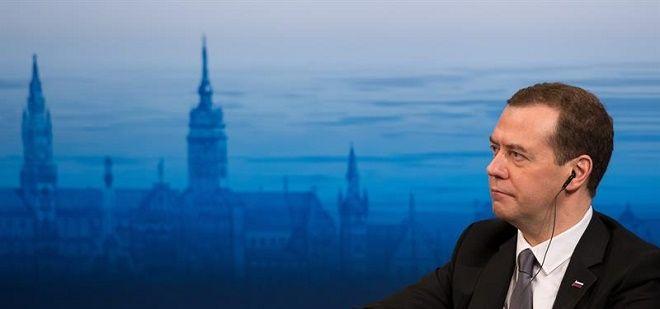 O primeiro-ministro da Rússia, Dmitri Medvedev, disse neste sábado (13/02) que o mundo está se encaminhando para uma nova Guerra Fria por conta das relações entre Moscou e o ocidente, principalmente com a Otan (Organização do Tratado do Atlântico Norte), ao citar as operações militares na fronteira oeste do território russo e na Síria.
