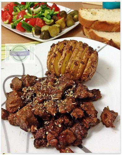 En İyi Yemek Tarifleri Sitesi-Yemek Vakti: Fırın Poşetinde Et ve Yelpaze Patates