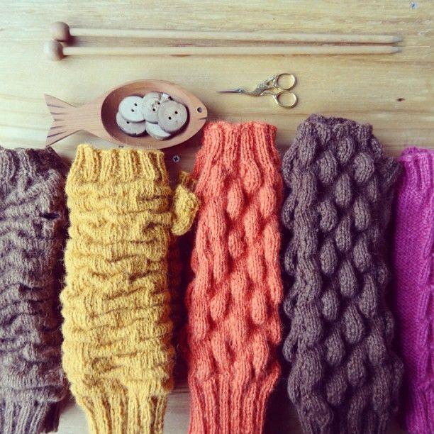 Abrigaditos guantes sin dedos tejidos en lana de alpaca