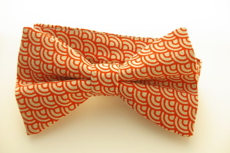 Red linen bow tie, printed with a scallop art deco pattern. Hand made in Australia by Huxby Haberdashery. Great wedding tie idea