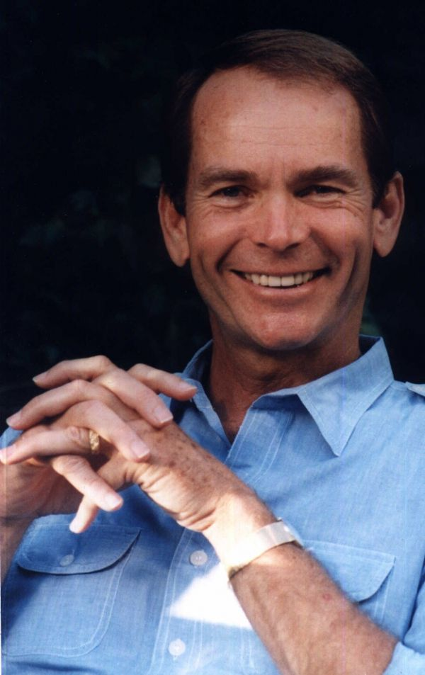 Dean Jones (January 25, 1931 - September 2, 2015) American actor known from several 'Herbie' movies.