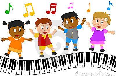 Gosses dansant sur le clavier de piano