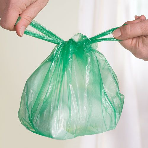 Idéal pour éviter les désagréments des couches usagées. Voici un lot de sacs à couches parfumés waterproof.