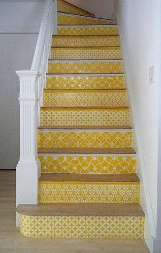 escaliers jaunes