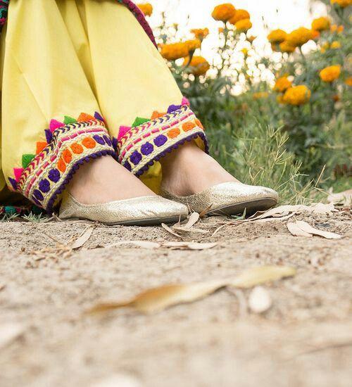 Cute flat shoes...