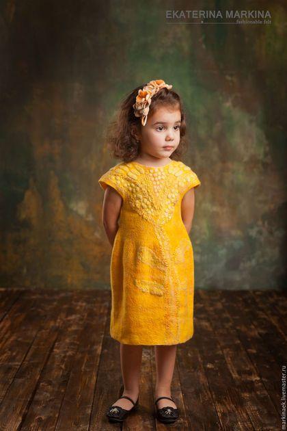 """Одежда для девочек, ручной работы. Желтое валяное платье для девочки """"Солнышко"""" -25%!!!. Екатерина Маркина. Интернет-магазин Ярмарка Мастеров."""
