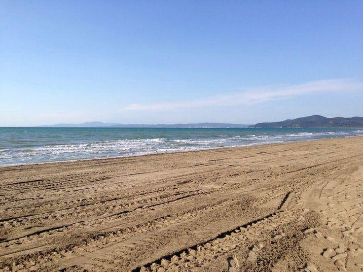 Spiaggia quasi pronta !! Vi aspettiamo per la nuova stagione 2014 !!