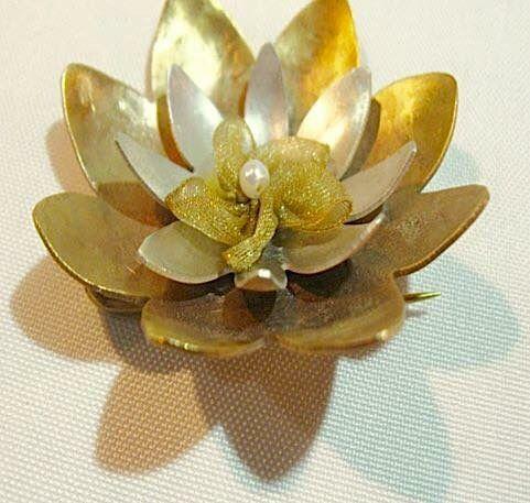 Broche flor de loto