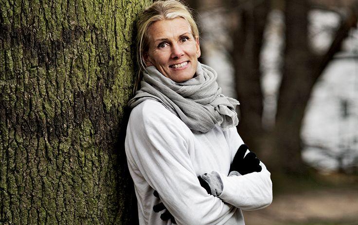 120.000 danskere er i behandling  for lavt stofskifte, og det skønnes,  at hver 10. kvinde på et tidspunkt  vil opleve en periode med sygdommen.  Ida Krak har trods en sund  udstråing i 25 år kæmpet med lavt  stofskifte – og uforstående læger.
