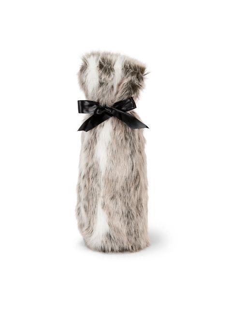 "American Chateau - Glam 12"" Polyester Faux Fur Bottle Black Gift Bag Holder ZZ16884, C$19.57 (http://www.americanchateau.com/Glam-12-Polyester-Faux-Fur-Bottle-Black-Gift-Bag-Holder-ZZ16884/)"
