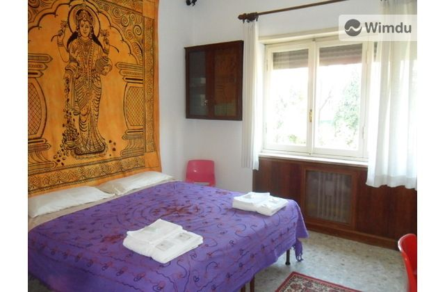 great Roman apartment 10 mins from the   Coliseum!