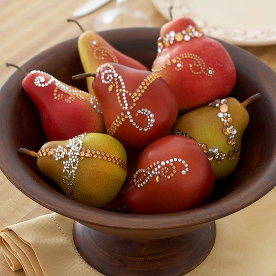 Glam up your Thanksgiving table with a sparkly fruit centerpiece! More fall centerpiece ideas:  http://www.bhg.com/decorating/seasonal/fall/fabulous-fall-centerpieces/?socsrc=bhgpin110213sparklyfruits&page=1