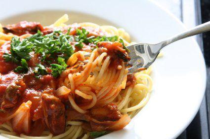 Healthy Veggie Packed Slow Cooker Spaghetti Bolognaise