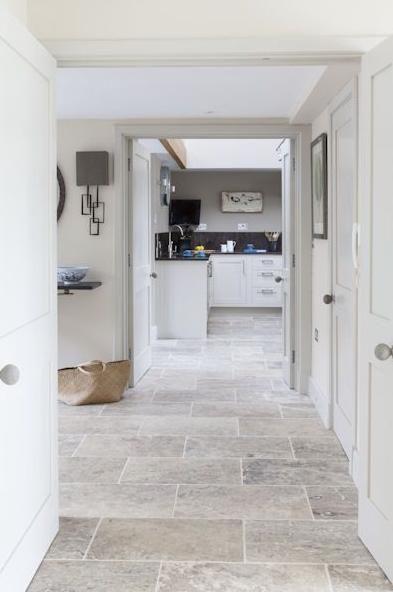 Silver travertine french pattern set indoor usage