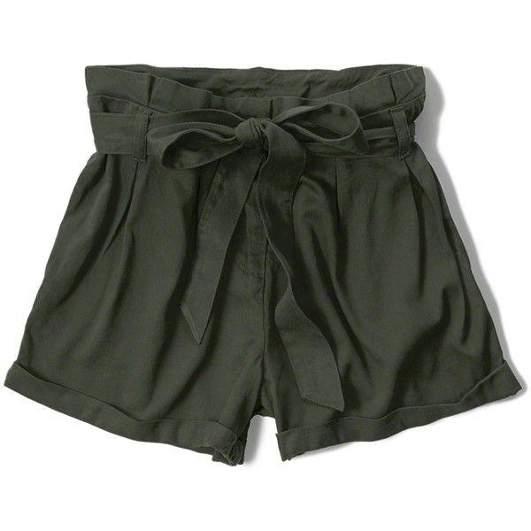 25  parasta ideaa Pinterestissä: Olive green shorts