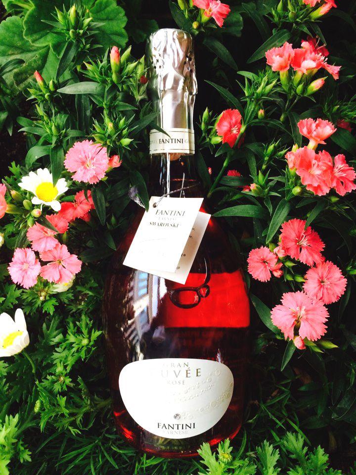 SPARKLING WINE; NV Fantini Gran Cuvee Rose Swarovski, Italy