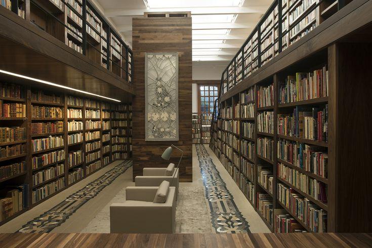 Biblioteca Personal Carlos Monsiváis,Cortesía de JSª Arquitectura