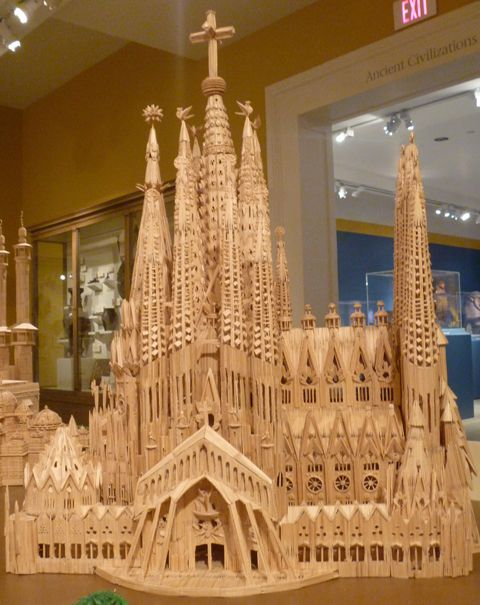 Stan Munro: Toothpick Art   Church in Barcelona. Some people have a lot of time... and talent.