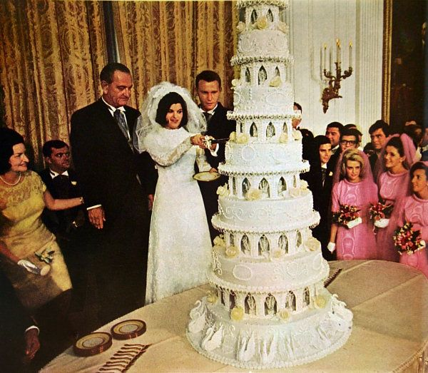 Tricia Nixon Wedding Gown: 310 Best Celebrity Wedding Cakes Images By Cathy Hughes On
