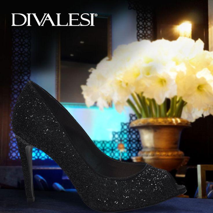 Perfeito para balada ou para uma festa mais elegante! #VáDeDivalesi e curta outros modelos em nosso site: http://bit.ly/divalesi