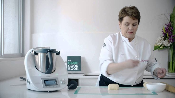 Quick rough puff pastry demonstration using Thermomix, with pastry cutting tips.