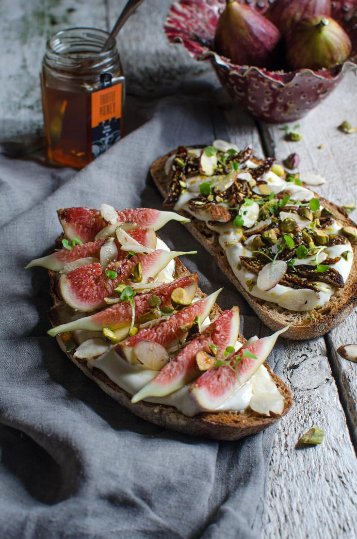 Fig, ricotta & truffle honey bruschetta