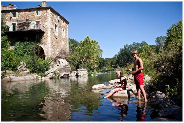 Op zoek naar een last-minute vakantiebestemming? Ons werd onlangs deze camping getipt: La Vallee Verte in Frankrijk, dicht bij Avignon.