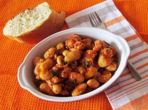 Ένα πεντανόστιμο παλιό ελληνικό φαγητό πλούσιο σε θρεπτικά συστατικά και σεφυτικές ίνες. Εδώ οι πιπεριές δίνουν χρώμα, άρωμα και άλλη γεύση στο απλό αυτό