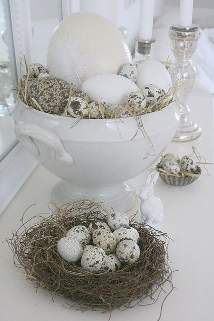 "Last week I took all the eggs I´ve collected over the years from our cellar and put them in different ""Easter nests"". Therefor I used the big tureen but also a little cake tin. With a little bit of hay the nests are ready immediately and look very natural."