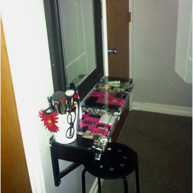 Gallery For Diy Makeup Vanity