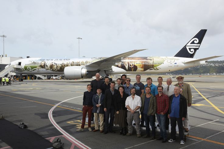 Peter Jackson and some of The Hobbit cast members in front of the Air New Zealand Hobbit 777-300ER