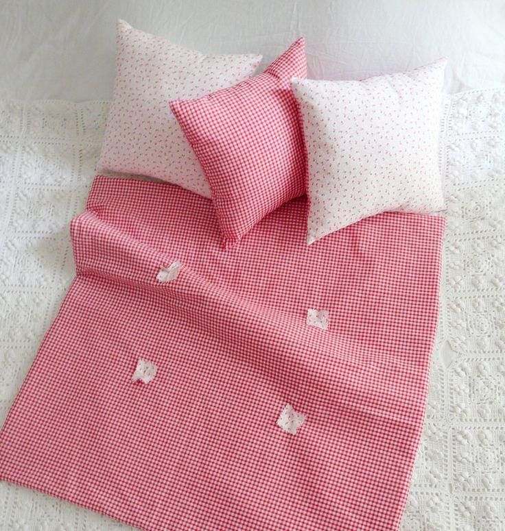 """Plaid- édredon- petite couette- 65x65 cm en vichy rouge et drap blanc Vintage pour lit bébé, """"FRENCHY VICHY"""" by Maison Tante Cath de la boutique MaisonTanteCath sur Etsy"""