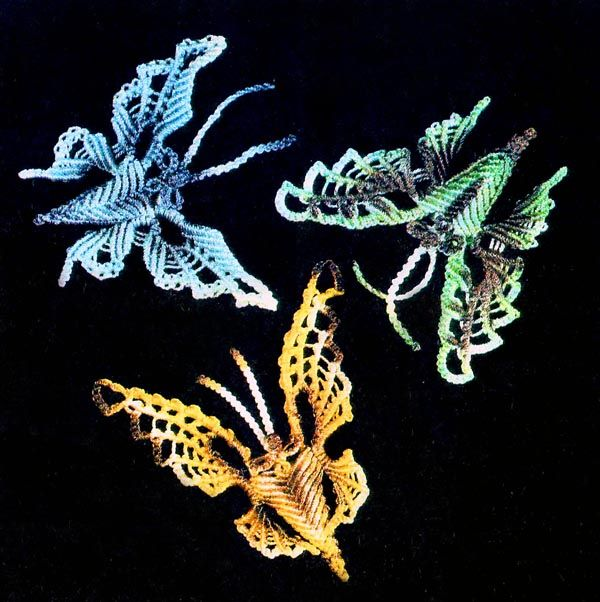 beautiful micro macrame butterflies.  Find out to make these gorgeous butterflies in this tutorial.