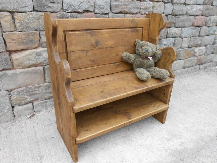 Vintage Rustic Church Pew/Bench with shelf 3ft 6in