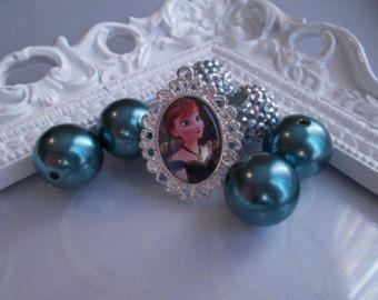 Surgelés congelés charme de Disney pendentif pendentif Anna Anna couronnement robe congelé artisanal pendentif Charm