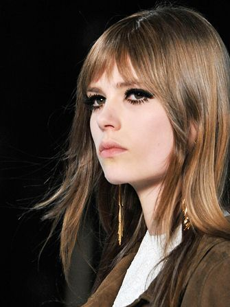Klumpige Wimperntusche – Saint Laurent Paris Fashion Week – Make-up