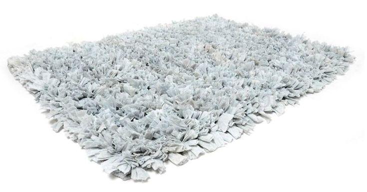 Ręcznie robione jasno szare dywaniki łazienkowe z przyjemnege w dotyku materiału