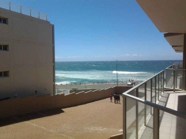 Dolphin View 205 in Margate, sleeps up to 6, max 4 Adults, holiday apartment located on the South Coast of KwaZulu-Natal with quality accommodation for a family holiday.#seaview #margate #beachholiday #kznsouthcoast #selfcatering #where2stay #accommodation