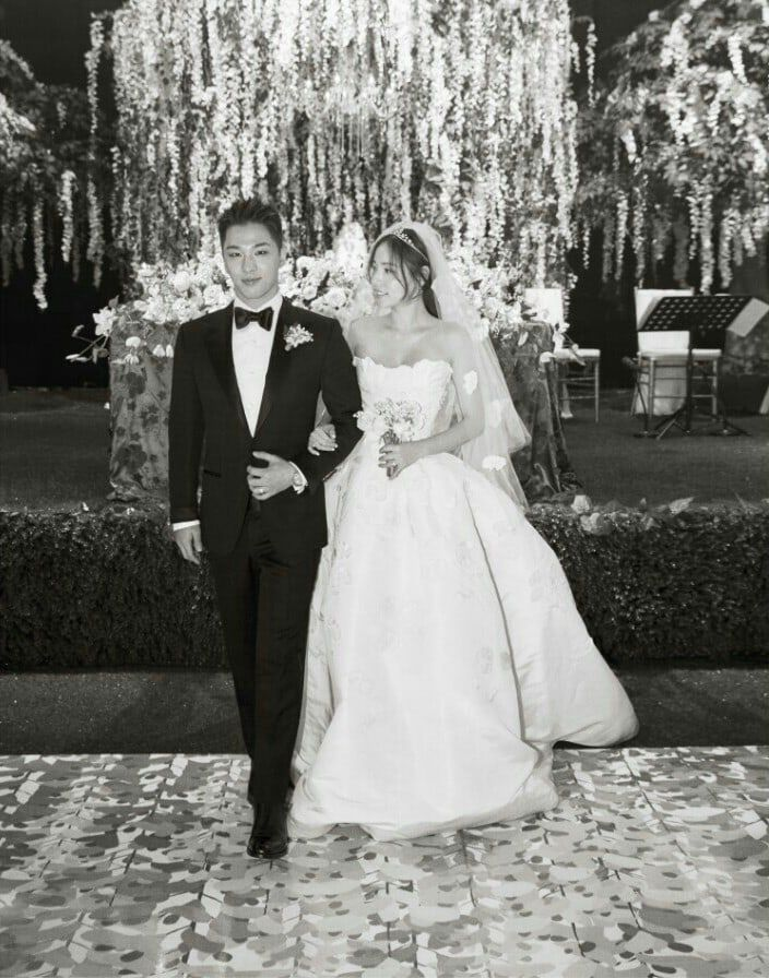 Agencies Of Taeyang And Min Hyo Rin Release Photos From Wedding